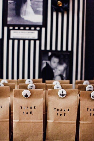 regalos para invitados con bolsas de papel kraft