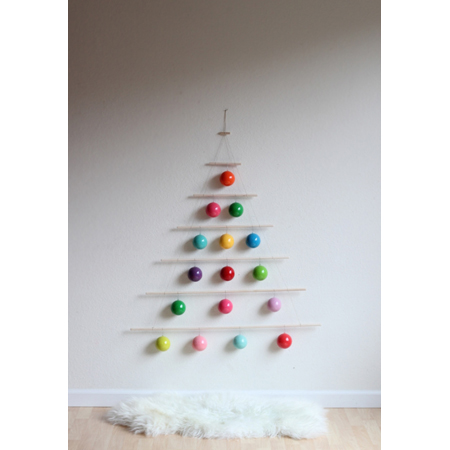 Christmas tree wall art diy projects the cottage market - Diy christmas tree on wall ...
