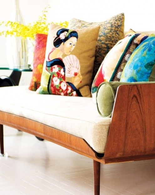 It Is A Sofa That Can Be Dressed In A Large Variety Of Styles By Simply  Changing Up The Pillowsu2026donu0027t You Love That!