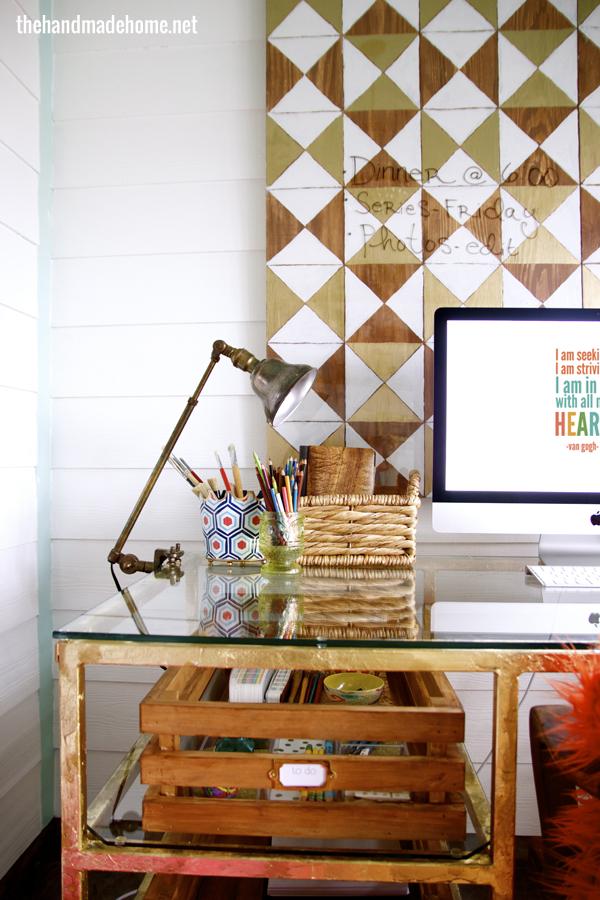 studio_desk