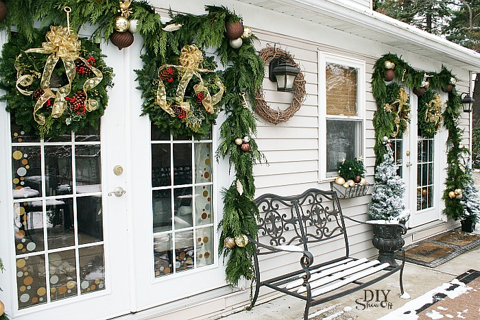 Christmas-French-Door-Decor
