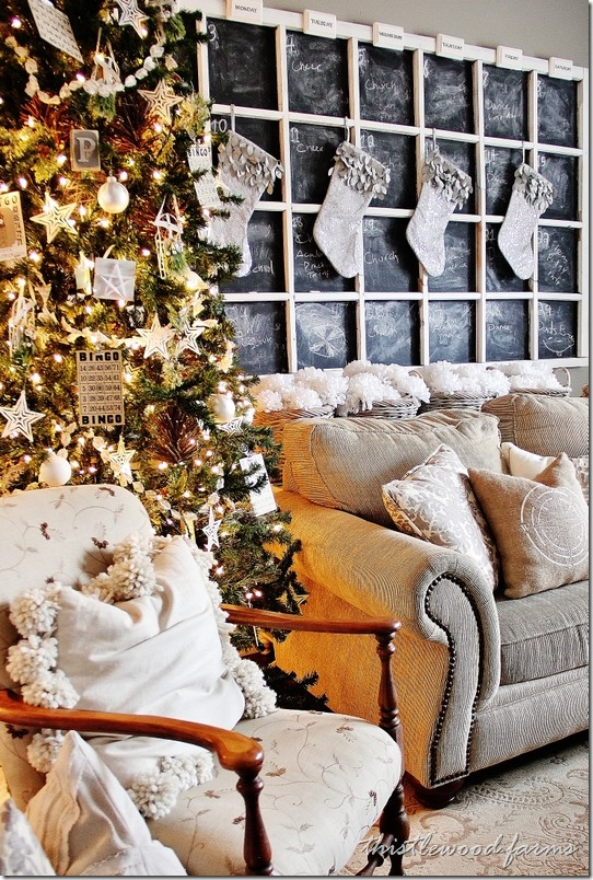 Family_Room_Christmas_Chalkboard_thumb