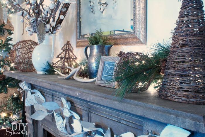 rustic-glitter-Christmas-mantel