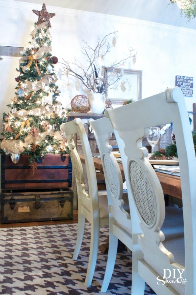 rustic-vintage-Christmas-tree-682x1024