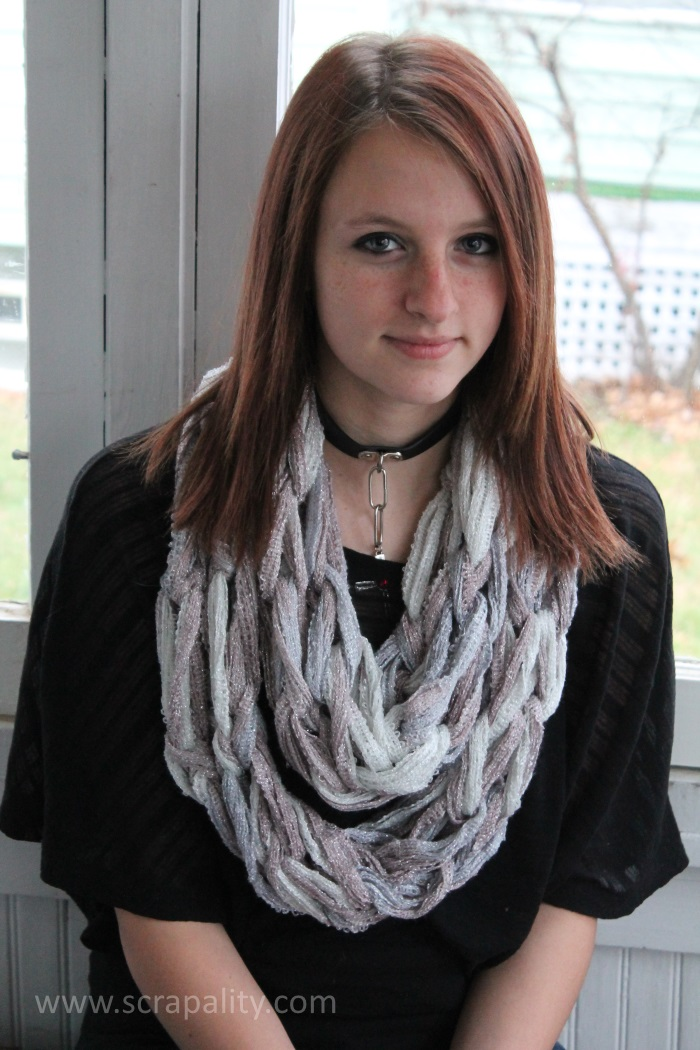 Arm-Knitting-Infinity-Scarf-5