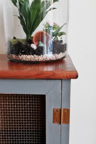 Corner of cupboard (333x500)