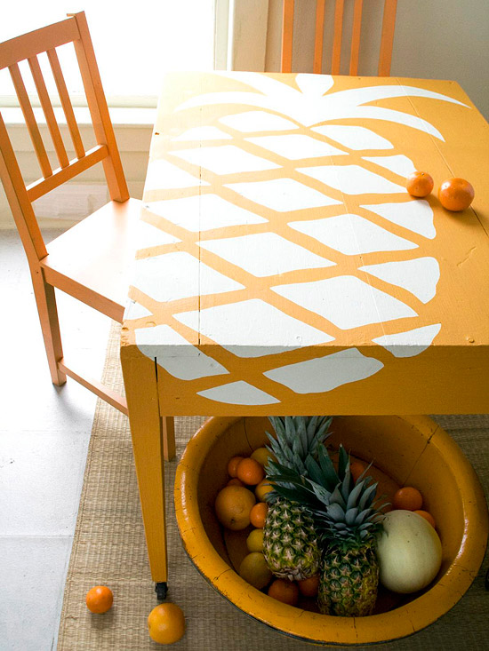 PINEappleandtable