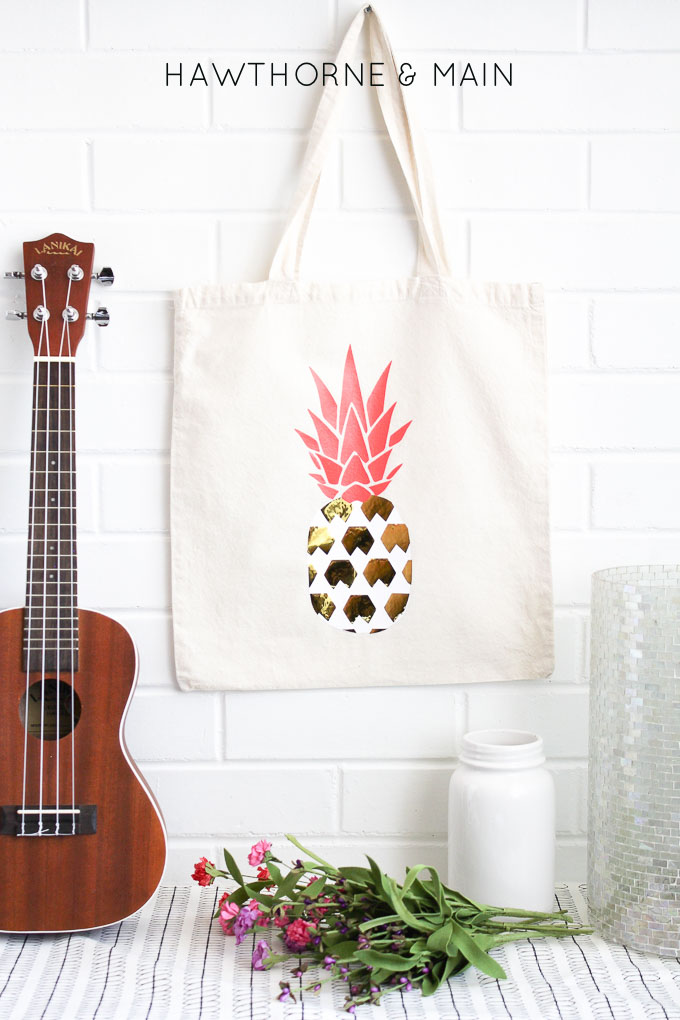 pineapple-heat-vinyl-transfer-onto-a-bag-9