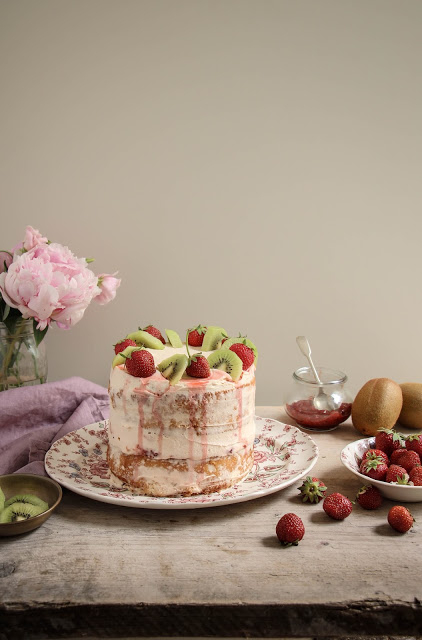 strawberry+kiwi+cake-31