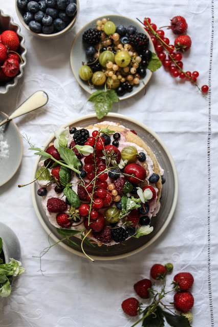 summer+berry+cake-1-36