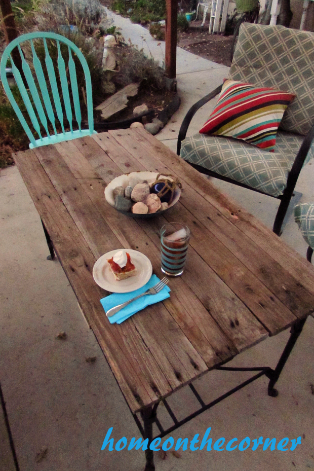 deck-pallet-coffee-table