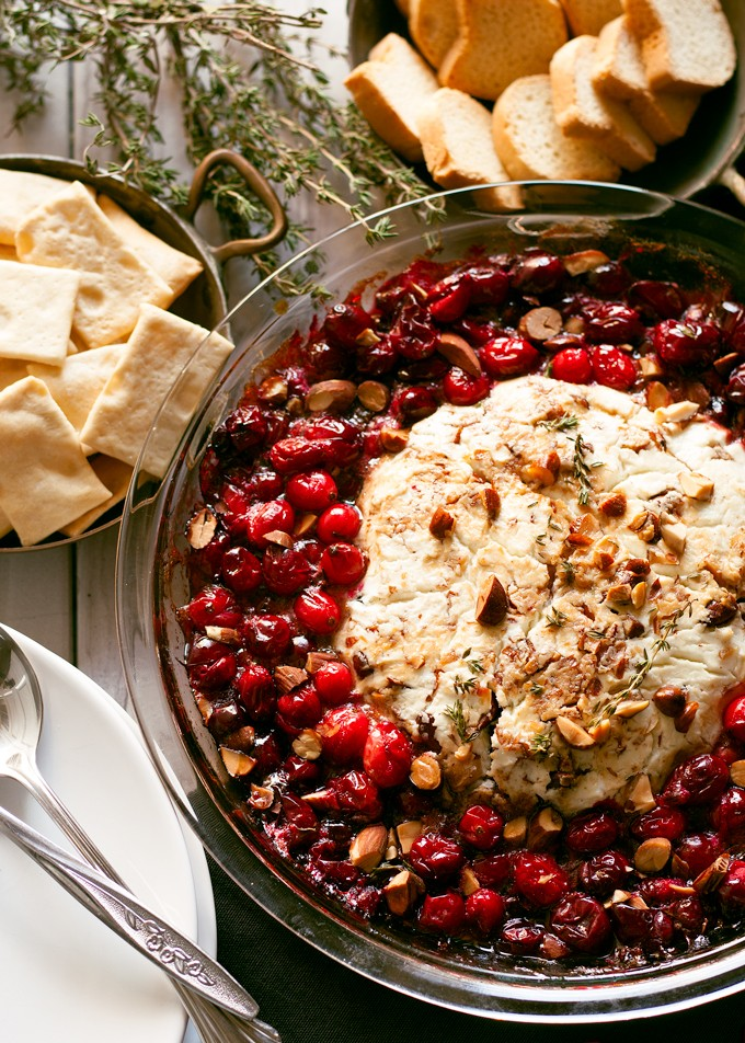 http://thecottagemarket.com/wp-content/uploads/2015/11/baked-goat-cheese-roasted-cranberry-appetizer-2-680x952.jpg