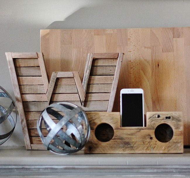 http://thecottagemarket.com/wp-content/uploads/2016/01/Wood-Speaker-DIY-Project.jpg