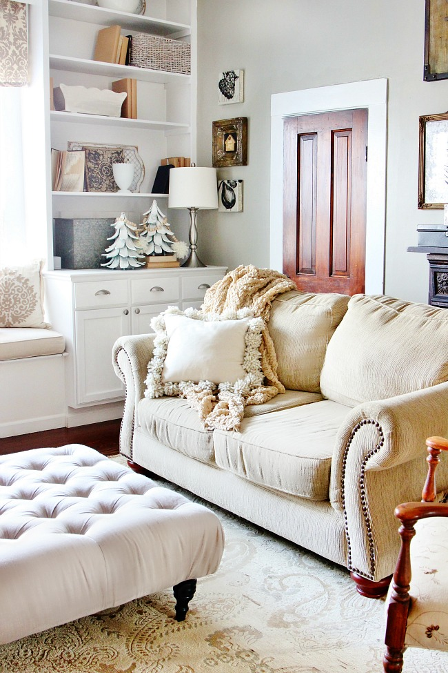 family-room-pillow
