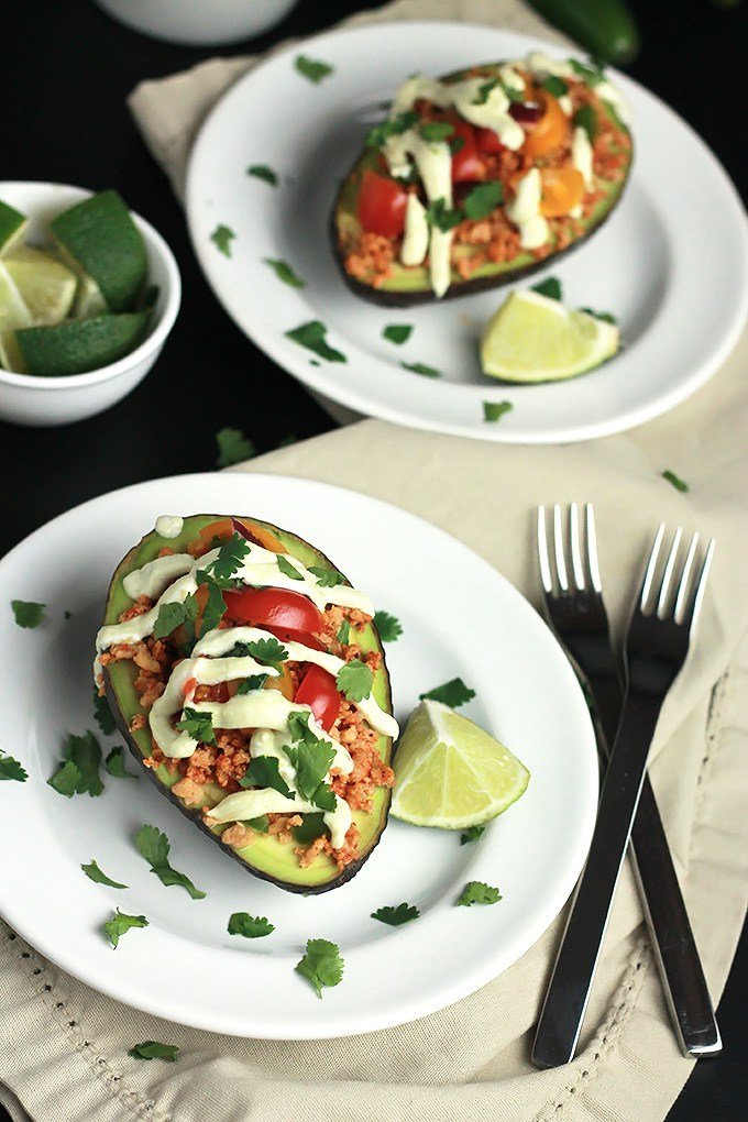 Vegan-Stuffed-Avocado1-4