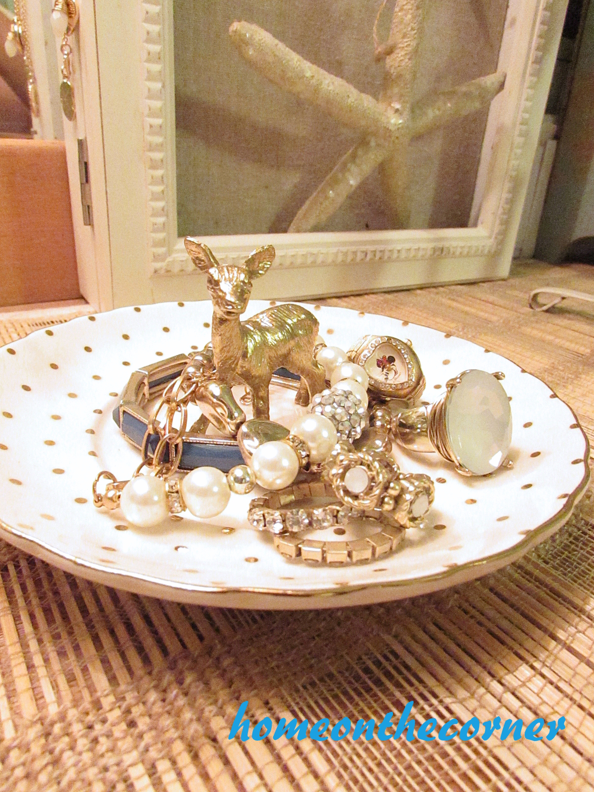 finds-and-fashion-gold-deer-jewelry-holder