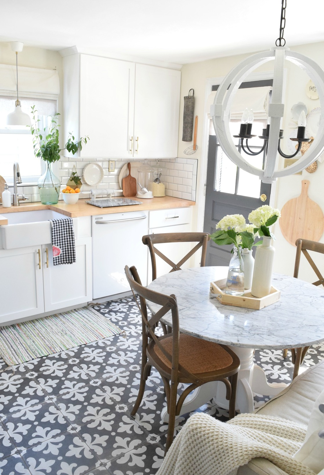 Farm House Kitchens: Farmhouse Kitchens, Blogger's Kitchens