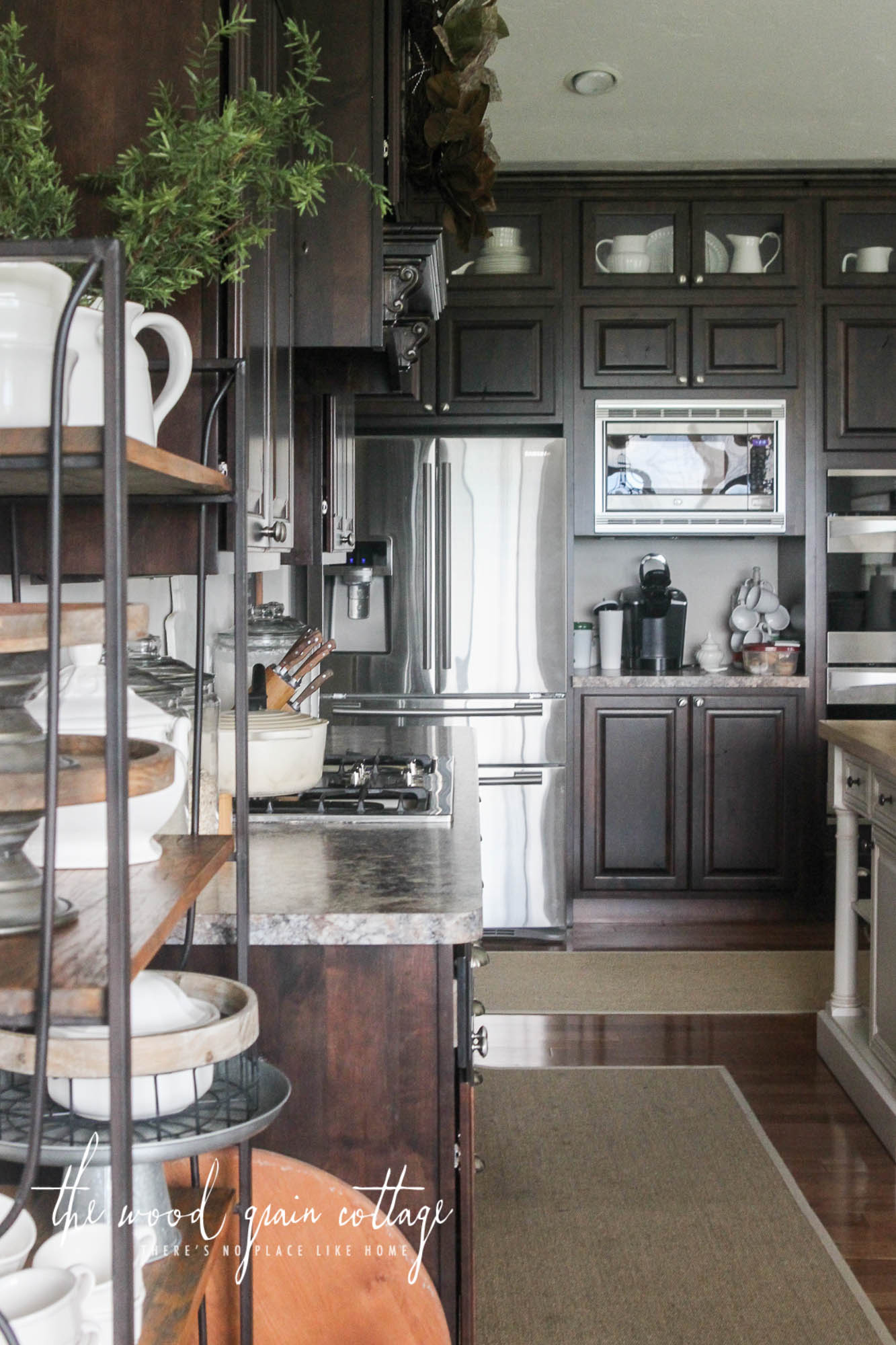 Farmhouse Kitchen Cabinets ~ Farmhouse kitchens ger s the cottage market