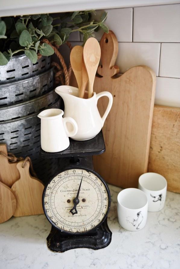 Farmhouse-Style Kitchen Decor