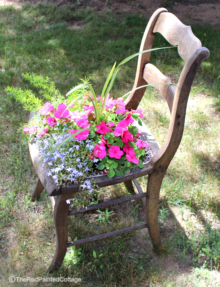 http://thecottagemarket.com/wp-content/uploads/2016/08/cottage-chair2.jpg