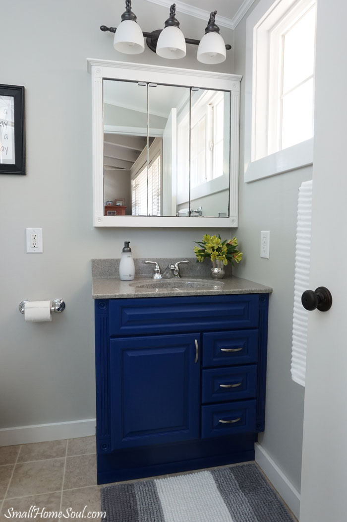 Master-Bathroom-Makeover-Room-Right-www.smallhomesoul.com_