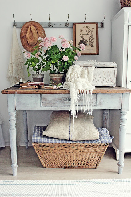 ... StoneGable Has That Special Touchu2026she Just Always Knows Where And How  To Arrange Things In A Special Way! Just Like The Baskets Under The Console  Table ...