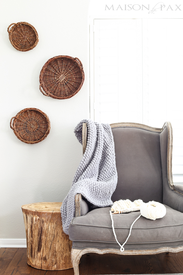 This mini knit throw blanket is a simple knitting kit