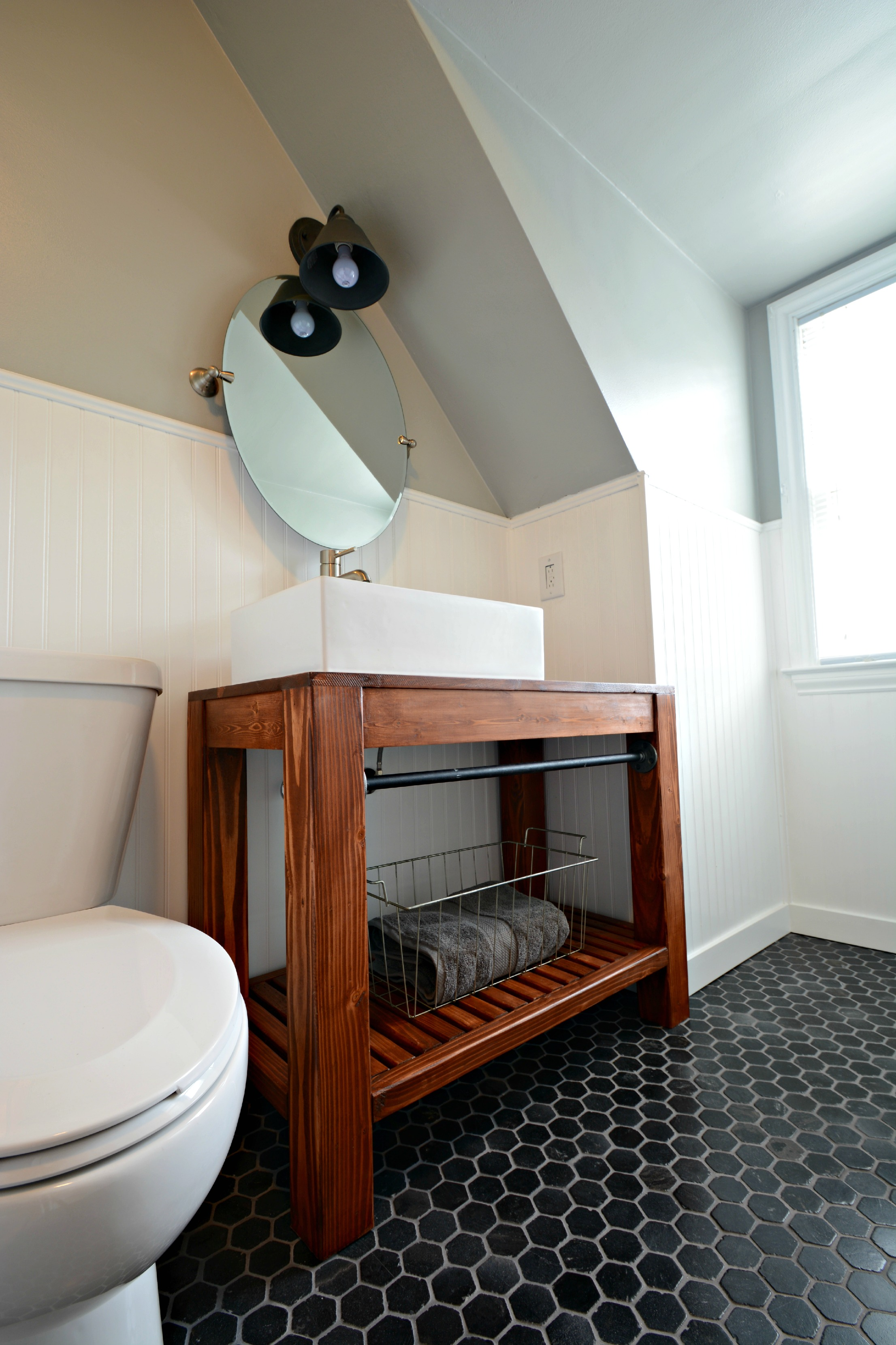 Can 39 t find the perfect farmhouse bathroom vanity diy it the cottage market Used bathroom vanity with sink