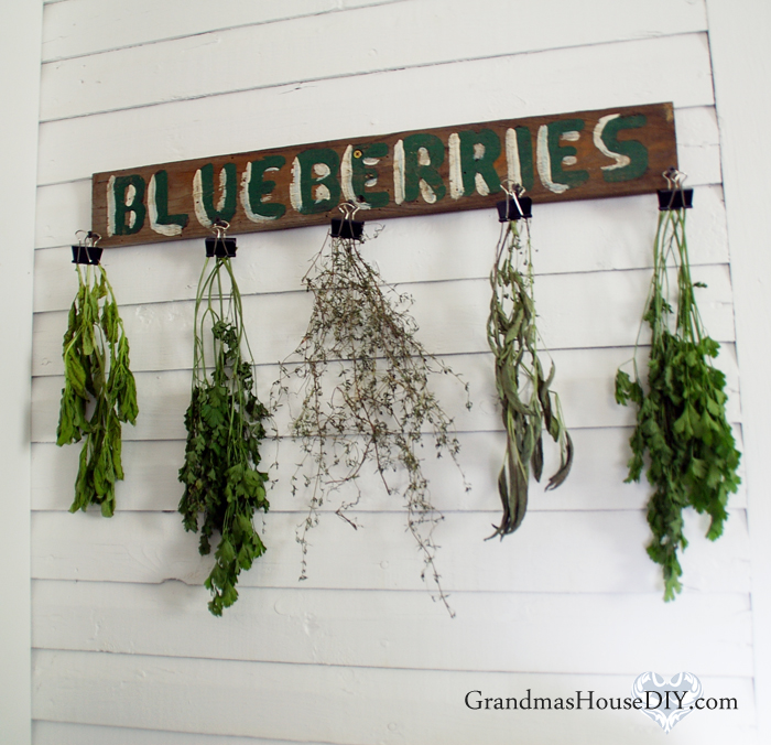 http://thecottagemarket.com/wp-content/uploads/2017/01/herb-drying-rack.jpeg
