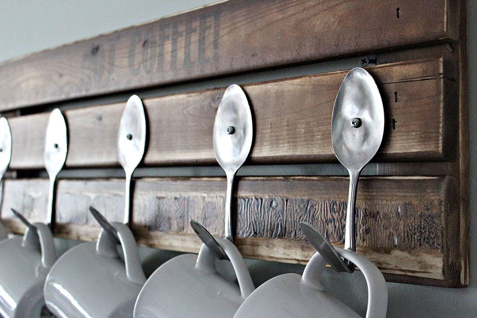 Farmhouse diy mug racks waiting to be made the cottage for Mug racks ideas
