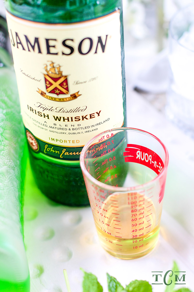 The jameson melon a st patrick 39 s day cocktail the for Jameson mixed drinks recipes