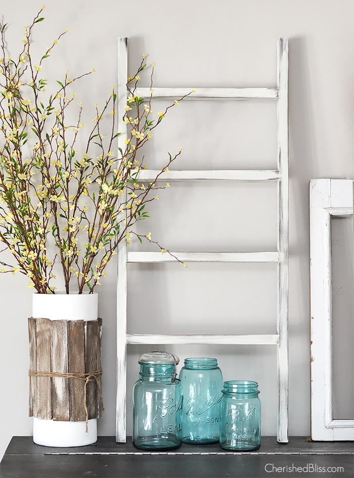 This decorative mini ladder is a super easy DIY project to add a farmhouse touch to your decor
