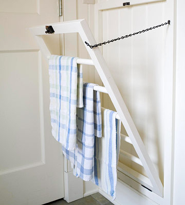 This farmhouse cottage style drying rack is a perfect DIY farmhouse project