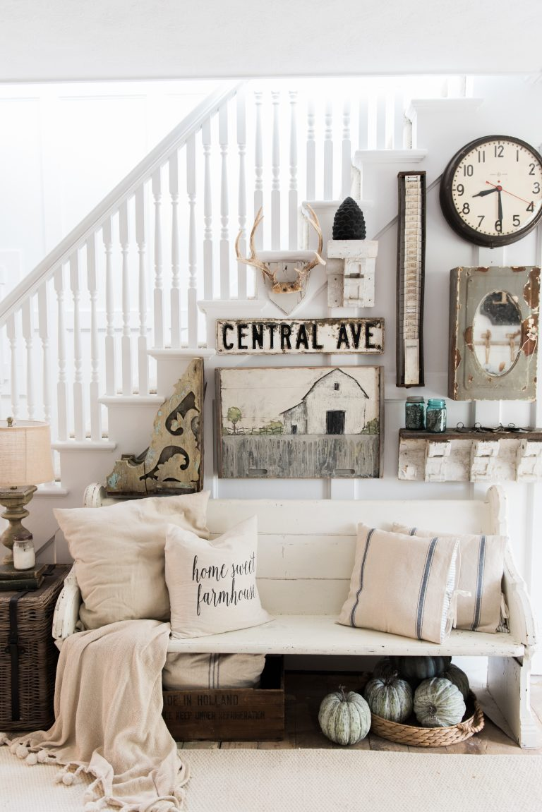 18 elegant ways to give your entryway farmhouse style the cottage market - What is farmhouse style ...
