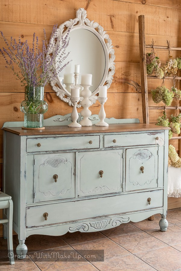 Amazing Painted Furniture With Farmhouse Style The