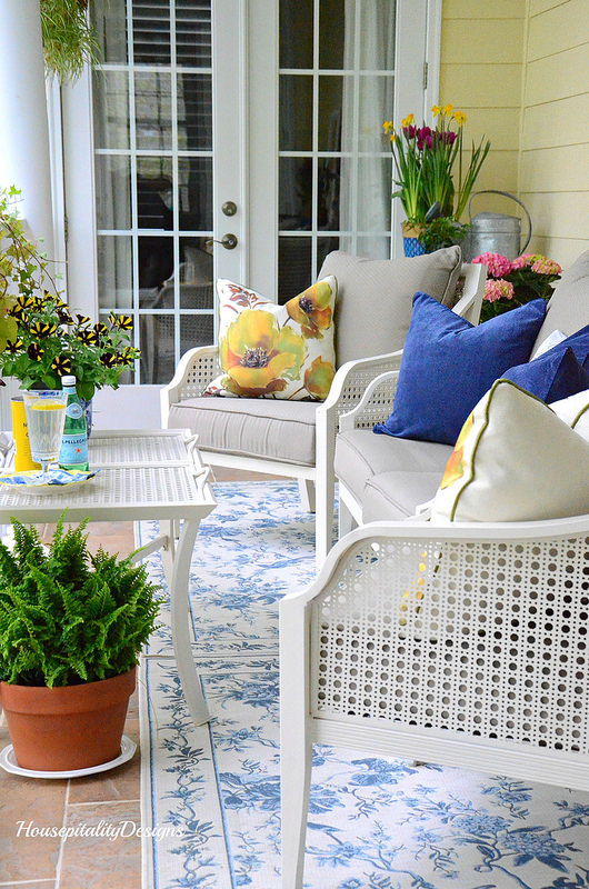 15 Farmhouse Porches That Say Sit A Spell! - The Cottage Market