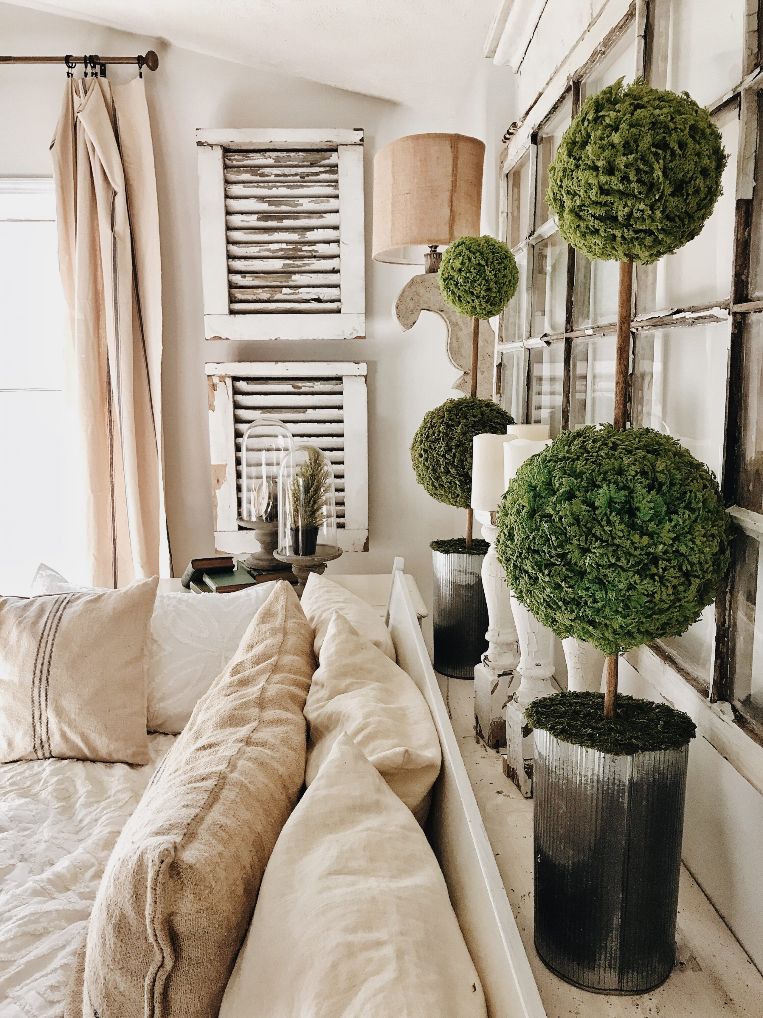 what farmhouse home decor doesnt need some topiaries drop by and snatch up the how to for these perfectly style spheres