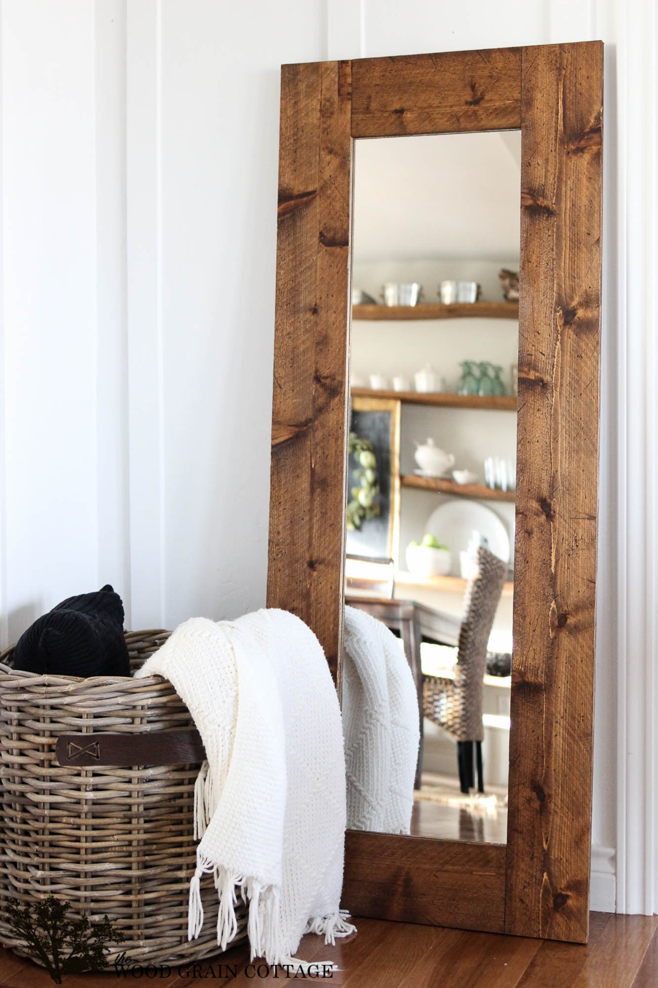 Great DIY Farmhouse Mirrors You Will Want To See Your Reflection In