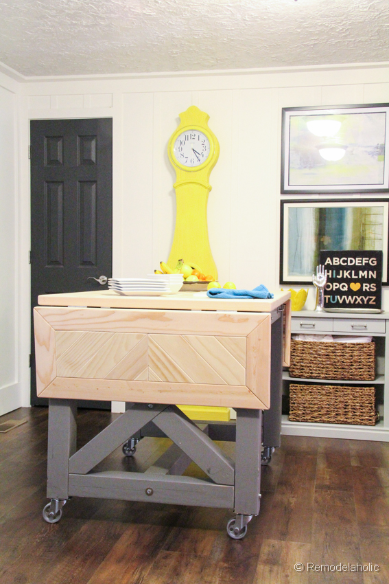 Is This DIY Rustic Industrial Side Table With Printable Plans By Addicted 2 DIYI Ask Youits A Classic Look Right From The Pages Of Pottery Barn