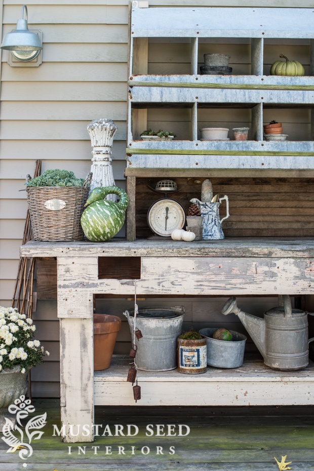 Fabulous farmhouse fall porches with tons of charm the for Cottage charm farmhouse