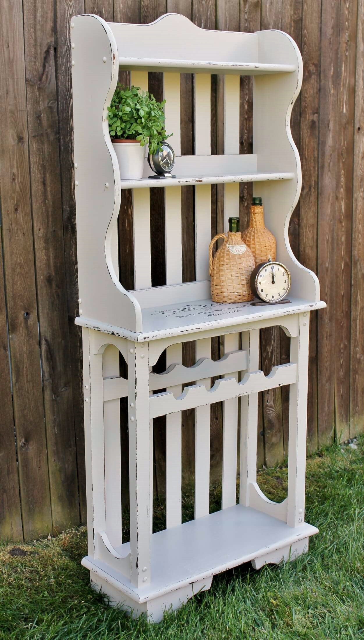 This thrift store find with a fresh coat of paint looks farmhouse chic and simple.