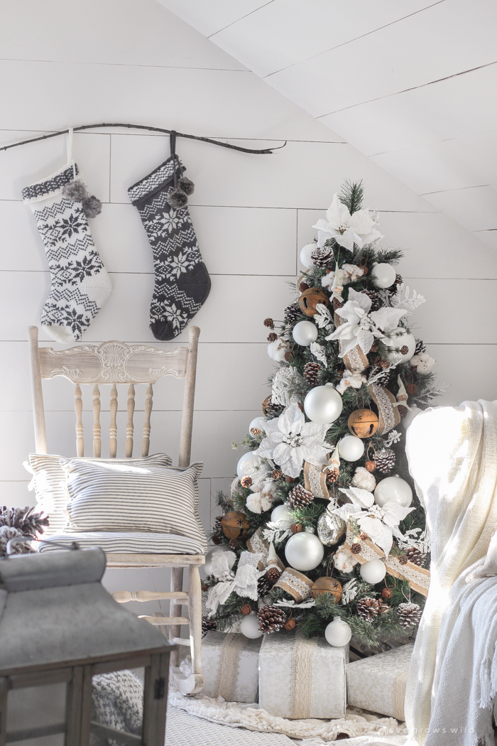 What S Happening In Christmas Farmhouse Home Decor Volume