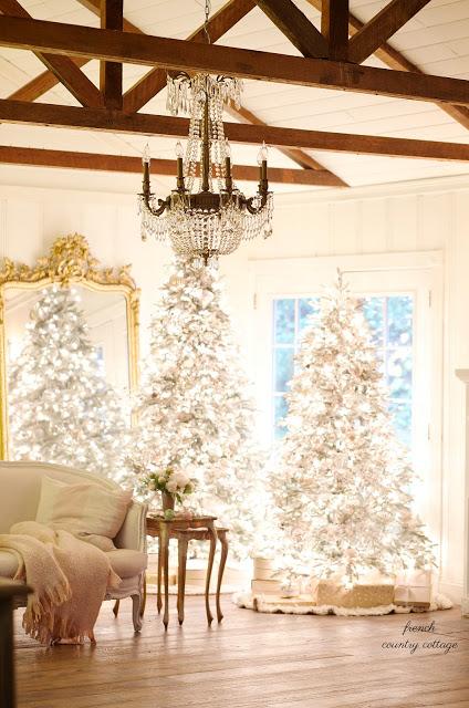 http://thecottagemarket.com/wp-content/uploads/2017/12/ChristmasFarmhouseTour5.jpg