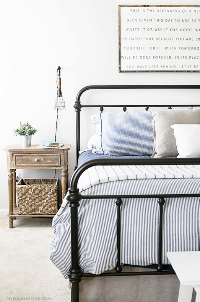 Farmhouse Bedroom Inspirationyou Have To Hop On Over Visit With Kelly At Live Laugh Rowe Loving All The Details And Touches Of Industrial