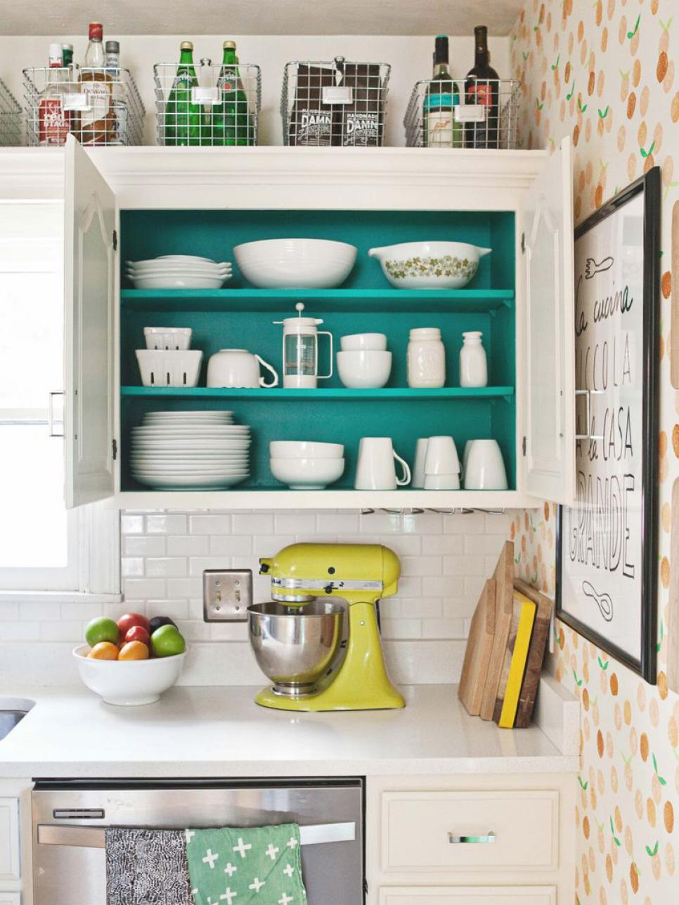 How to Update Your Farmhouse Kitchen on the Cheap - The Cottage Market
