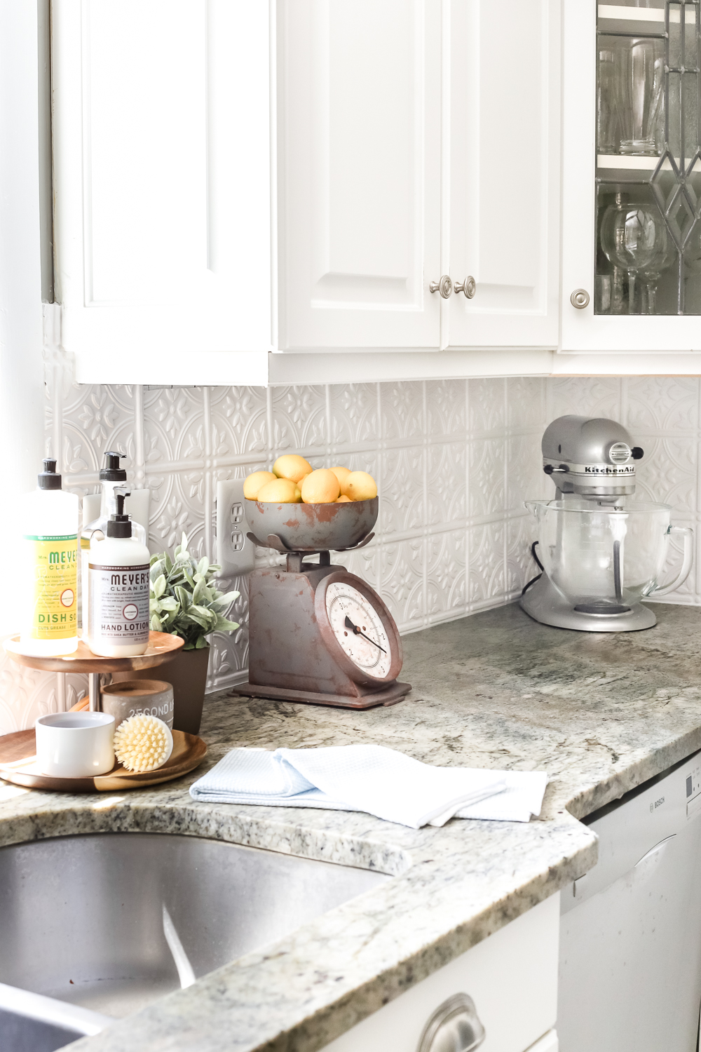How to Update Your Farmhouse Kitchen on the Cheap - The ... on Farmhouse Tile  id=98283