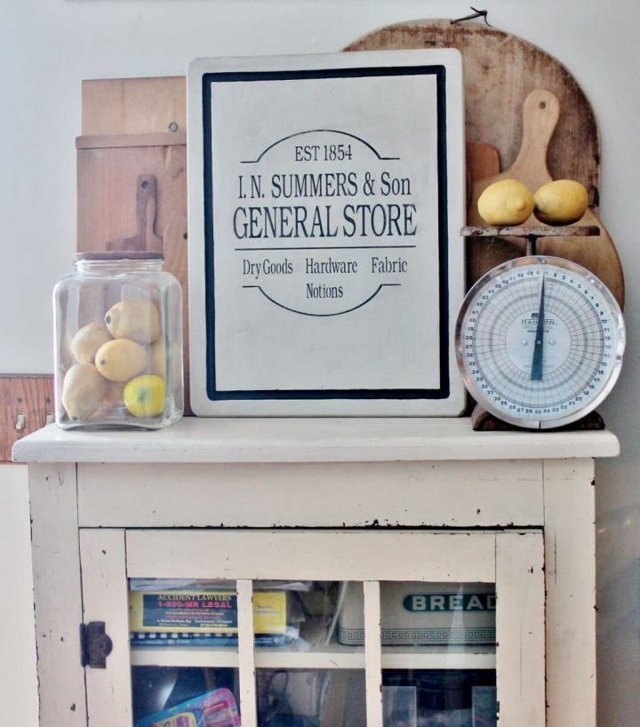 Trendy Farmhouse Thrift Store Makeovers