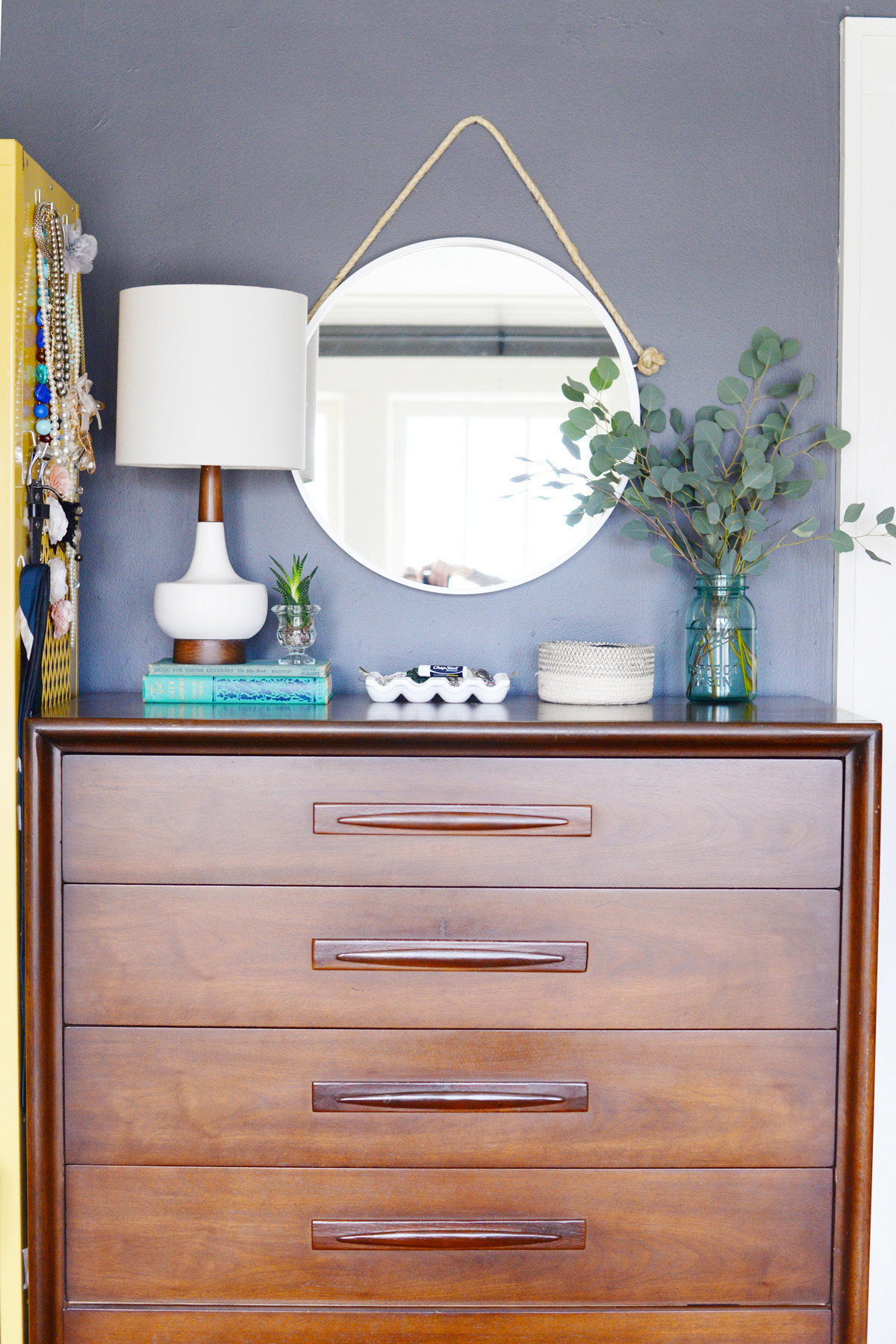 This farmhouse mirror is such a simple DIY, you'll be surprised!