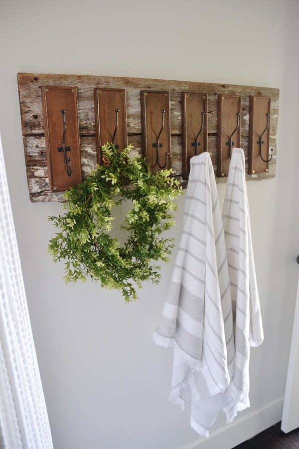 Angela Marie Made Created This Trendy Farmhouse Style DIY Towel Racku2026so  Contemporary Yet So Charming. Come And See How Easy This One Is To Makeu2026you  Will Be ...