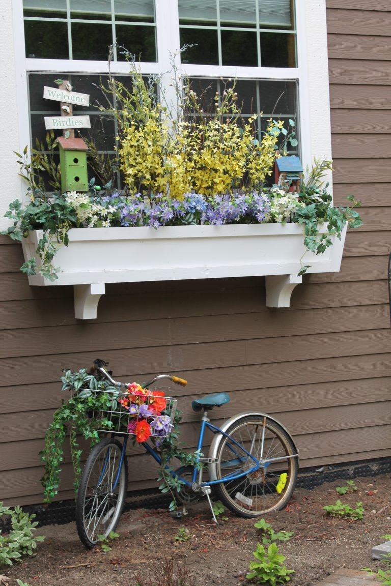 beautiful diy window box ideas with curb appeal the cottage market. Black Bedroom Furniture Sets. Home Design Ideas